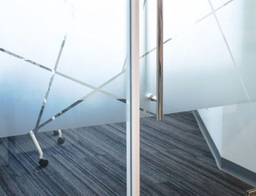 Αυτοκόλλητο αμμοβολής: Η έξυπνη λύση για γραφεία και καταστήματα